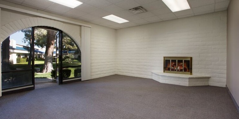 801 B4 OFFICE WITH FIREPLACE
